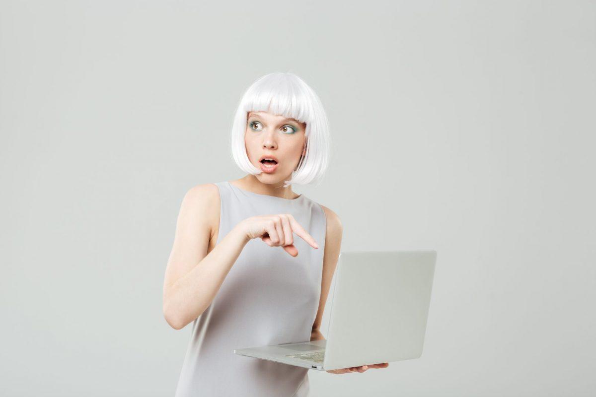 Woman needing mac computer repair