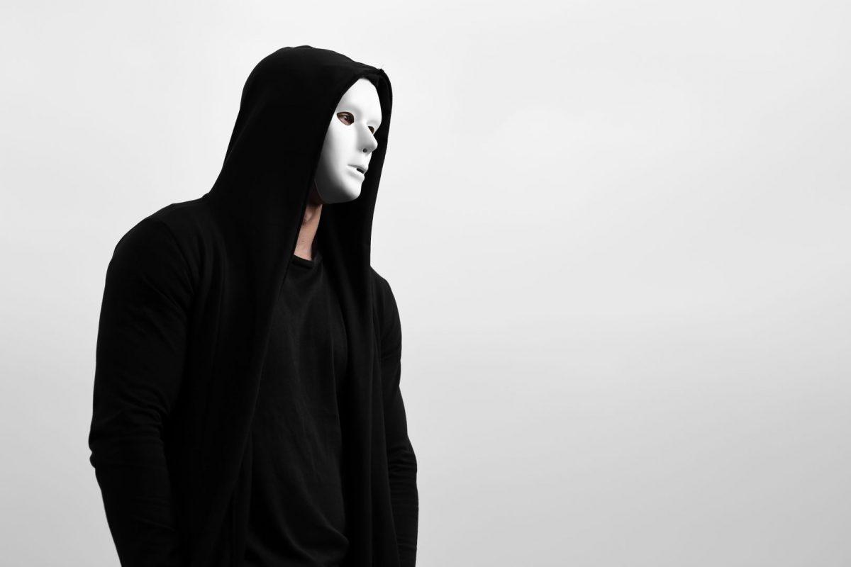 phantom hacker who makes viruses for computer repair